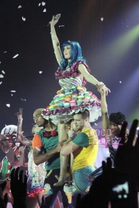 katyperry 200x300 Katy Perry's California Dreams 2011 Tour!