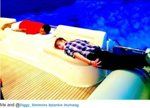 justin bieber planking 300x300 Celebrity Planking Pics: Justin Bieber, Chris Brown, Katy Perry and More!