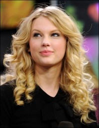 Taylor Swift Broadway Taylor Swift Offered Role to Join Les Miserables Cast